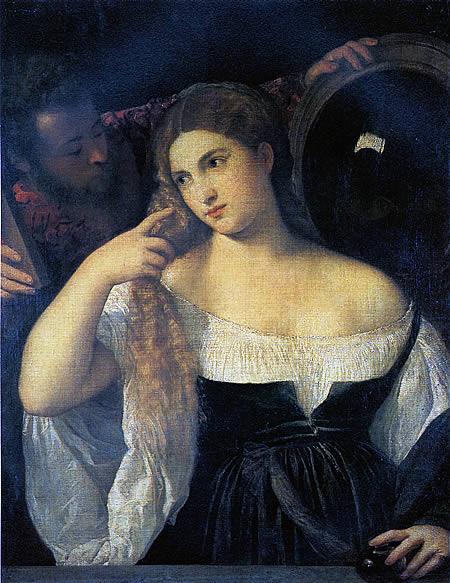 Женщина за туалетом перед зеркалом